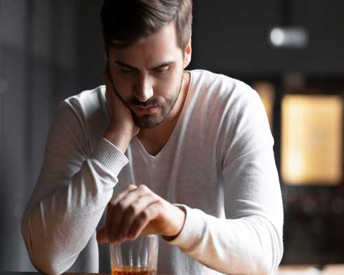 man-with-alcohol-who-needs-depressionb-treatment-in-west-palm-beach